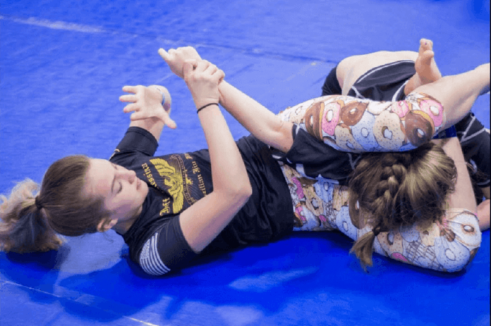 10 Reasons Why Women Should Train Jiu Jitsu