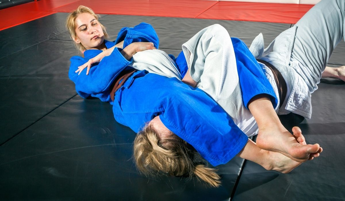 Straight Armbar From Side Mount