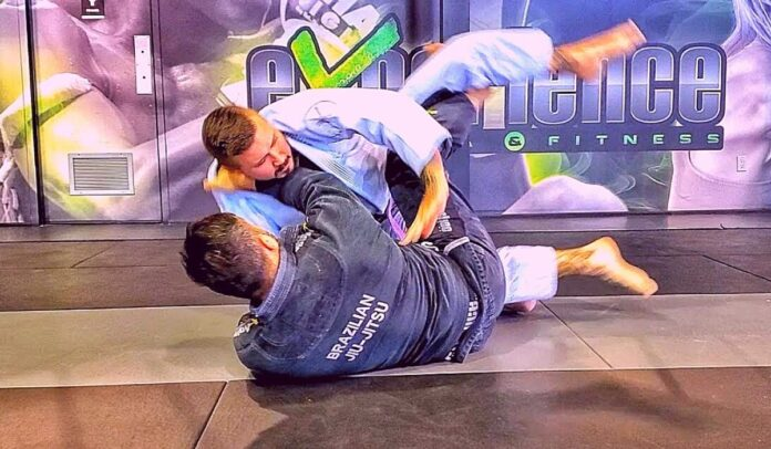 how to do a scissor sweep bjj